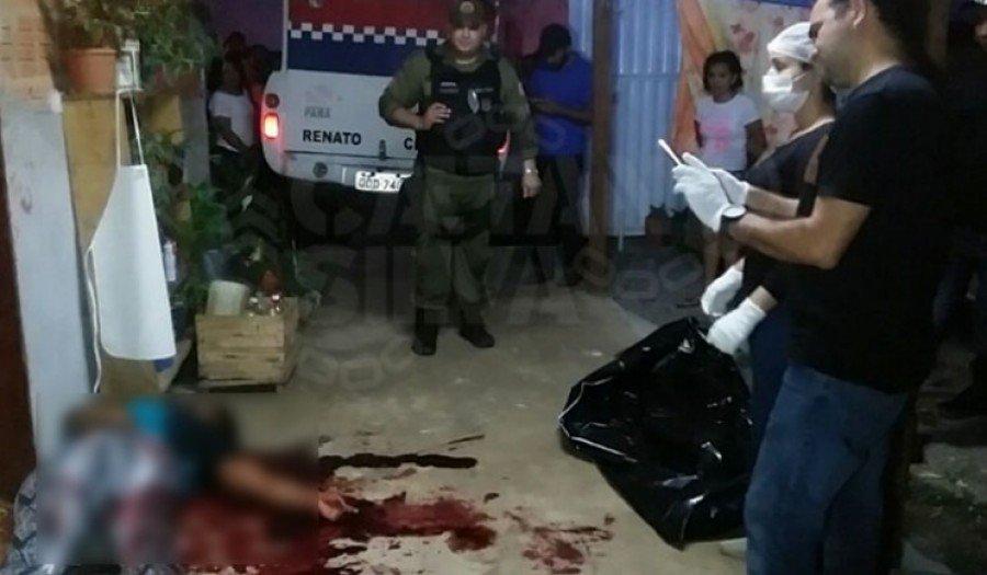 Mulher foi morta e marido foi baleado dentro de casa no bairro Da Paz, em Parauapebas-PA (Foto: Caetano Silva)