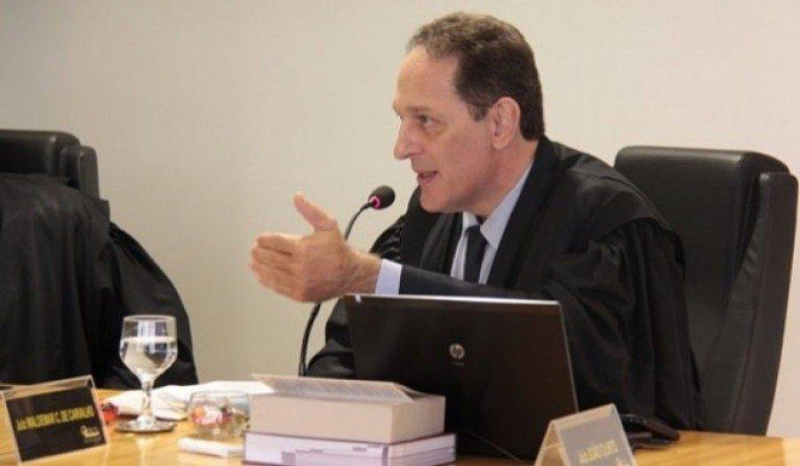 Polícia continua buscas pelo ex-juiz eleitoral, João Olinto Garcia de Oliveira, que tem mandado de prisão decretado pela Justiça