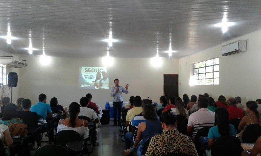 Participaram da formação gestores e servidores das escolas estaduais, municipal e privadas de onze municípios pertencentes à DRE de Tocantinópolis