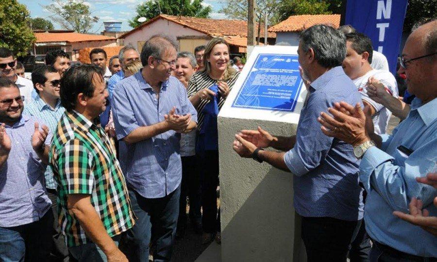 Ao lado da população e de diversas autoridades da região, Marcelo Miranda inaugurou o trecho da Rodovia TO-126, que liga Sítio Novo a Itaguatins