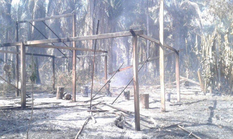 Incêndio em comunidade quilombola destrói casas (Foto: Divulgação/Elyzangella Barros)