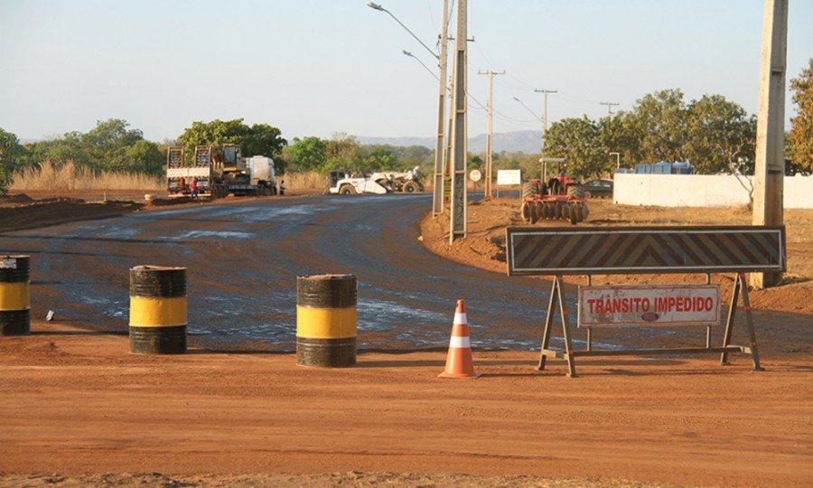 As obras nas avenidas NS-15 e LO-13 têm como objetivo melhorar o acesso às universidades públicas na Capital e às praias da região central, bem como desviar o tráfego de cargas pesadas do centro da cidade (Foto: Thiago Sá)