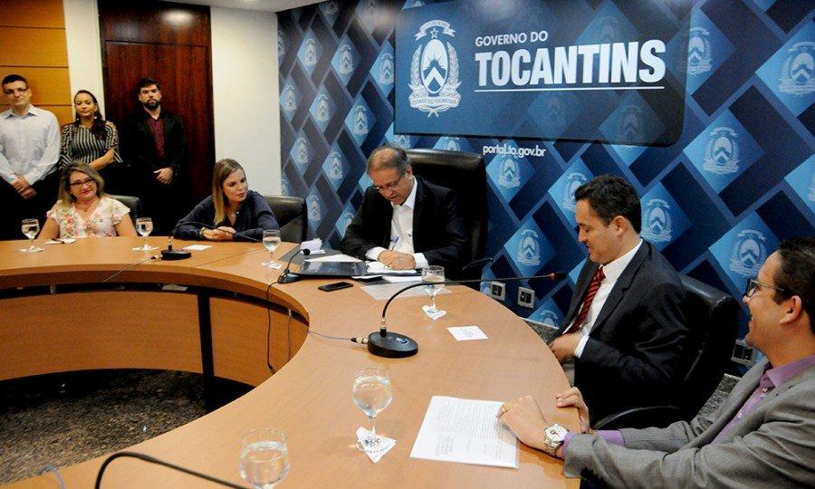 Governador assinou um Termo de Colaboração Técnica e Compartilhamento de Espaço Público entre a Unicet e a Unitins