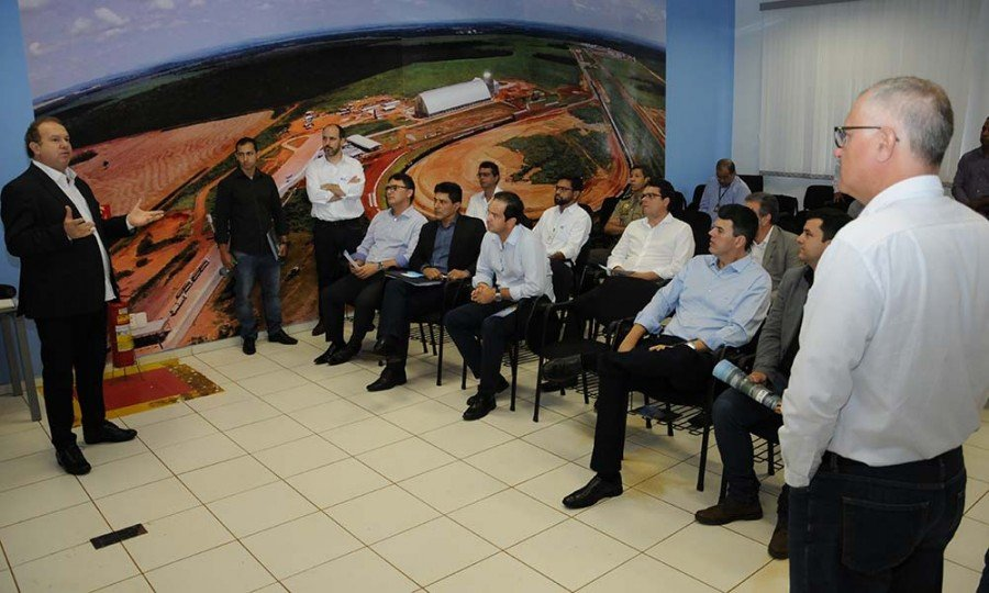 Mauro Carlesse destacou que a reunião foi produtiva e que o governo sempre precisa acompanhar os projetos de empresas como a VLI, pois são importantes para promover o desenvolvimento da região