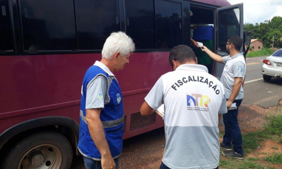 A finalidade da operaçãoes é de fiscalizar e coibir o transporte clandestino de passageiros e garantir a segurança aos passageiros