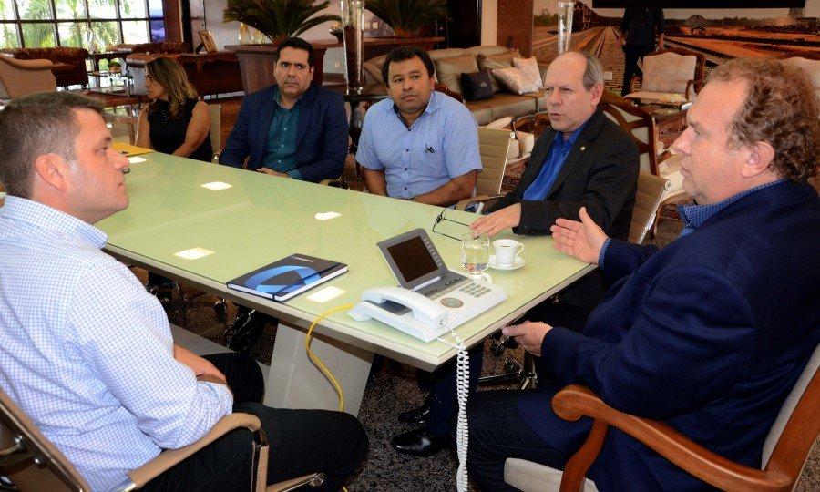 Governador Carlesse assegurou interesse do Estado em sediar centro de distribuição de medicamentos (Foto: Tharson Lopes)