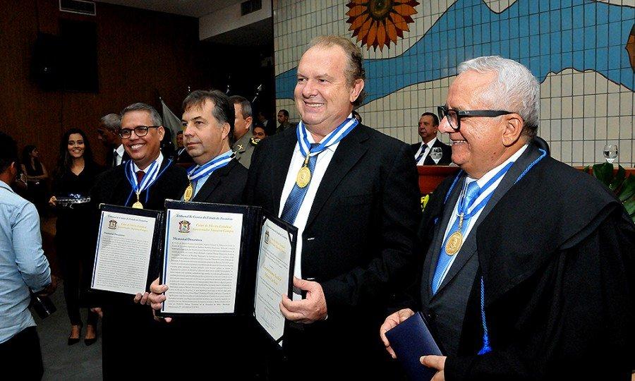 Governador Mauro Carlesse recebeu Colar do Mérito Governador Siqueira Campos