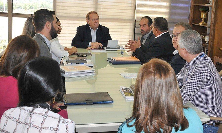 Governo e Sebrae discutem calendário único de ações, visando fortalecer o turismo e a economia do Estado (Foto: Fred Borges)