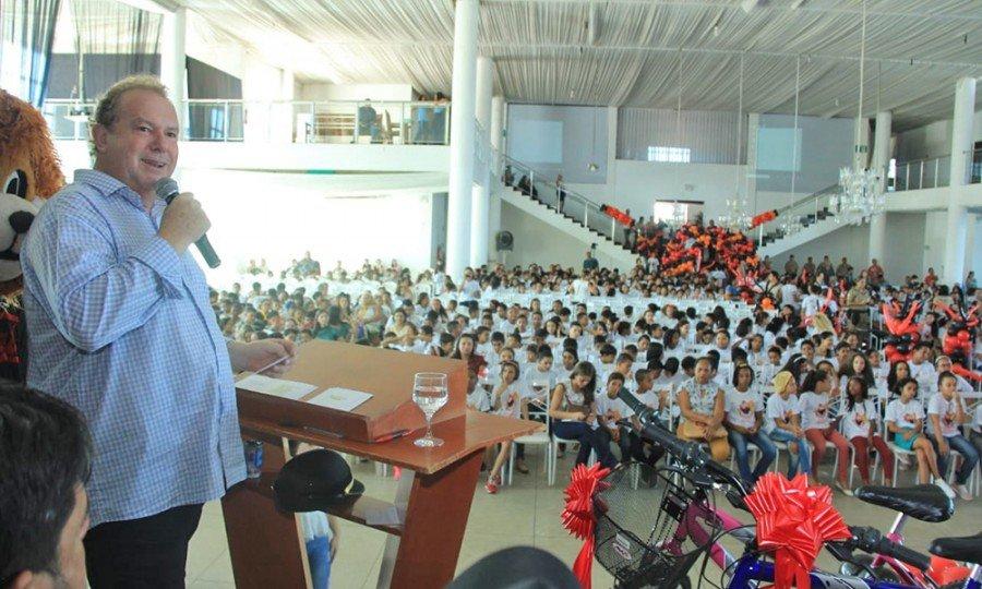 Em Gurupi, o Governador participou da solenidade de formação e certificação de alunos que participaram do Proerd,(Foto: Antônio Gonçalves)