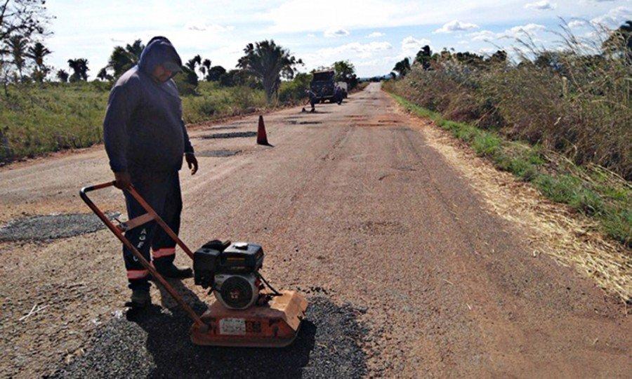 Rodovias de acesso às praias do Bico do Papagaio recebem serviços de manutenção