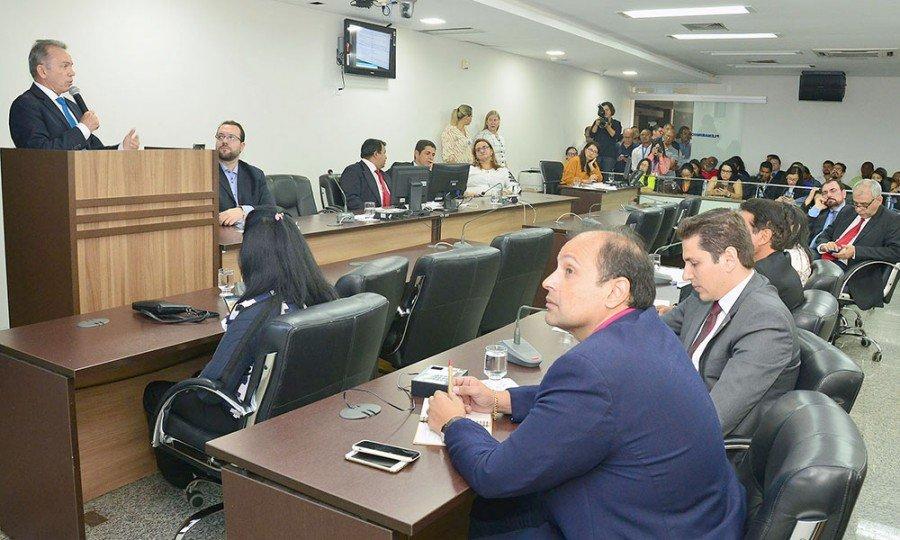 Apresentação foi realizada na Comissão  Comissão de Administração, Trabalho e Defesa do Consumidor, no plenarinho da AL/TO