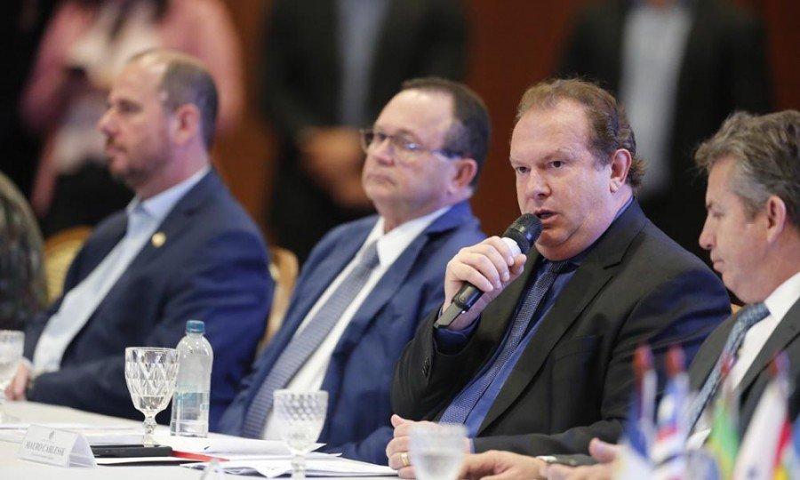 O governador Mauro Carlesse  defendeu a implantação de uma política que eduque as novas gerações, criando uma consciência coletiva voltada à proteção da fauna e flora