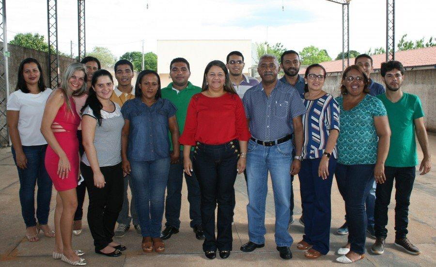 Reitora e servidores de Araguatins (Foto: Caio Mascarenhas / Ascom Unitins)