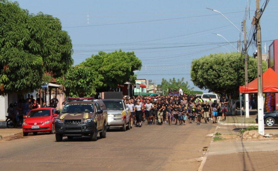 Durante o percurso da 5ª Corrida com a Força Tática do 9° BPM (Foto: Divulgação/9° BPM)