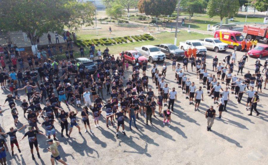 Momento de preparação para o início da corrida (Foto: Divulgação/9° BPM)