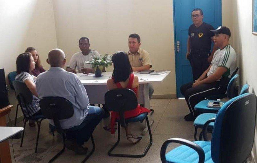 Equipe reunida em Augustinópolis
