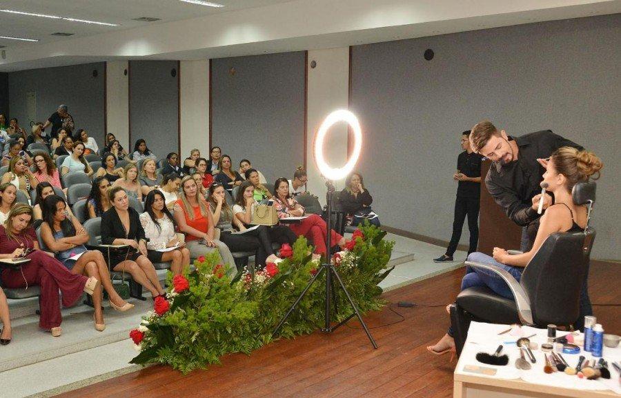 Dia das Mães é comemorado com palestras motivacionais para servidoras da Assembleia Legislativa (Foto: Koró Rocha)