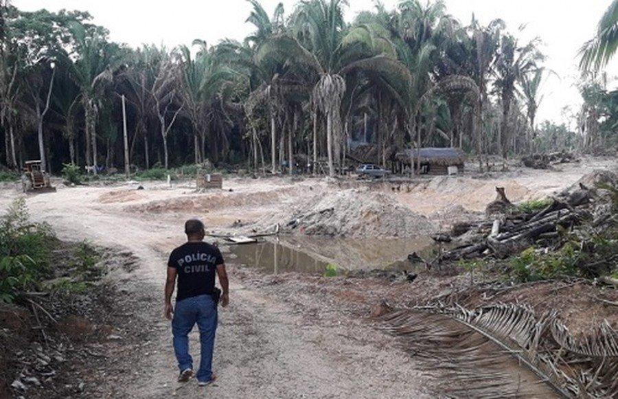Polícia interditou espaço de extração ilegal de madeira dentro de área de preservação, em Marabá-PA (Foto: Divulgação / Polícia Civil)