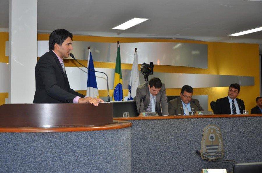 Membro da Comissão de Assuntos dos Direitos da Mulher, o professor reforça a necessidade de espaços que atendam essas demandas específicas no município