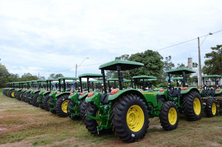 Governo entrega nesta segunda-feira, tratores destinados à Agricultura Familiar para 15 municípios biquenses