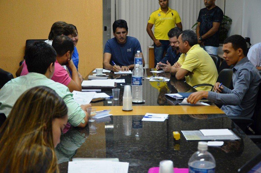 Membros da Comissão se reuniram na manhã desta segunda-feira, 12, na Câmara Municipal de Palmas