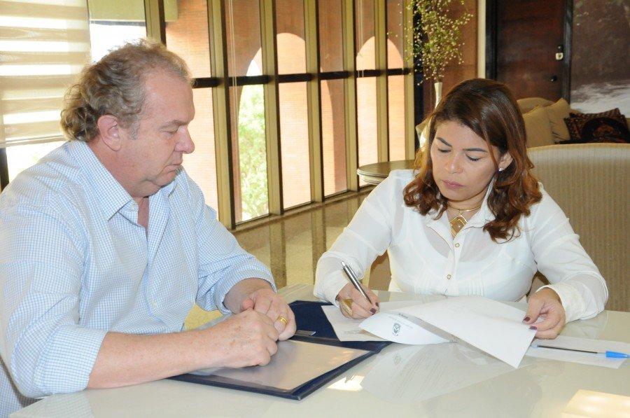 Assume o cargo a professora Adriana da Costa Pereira Aguiar, que já foi titular da Pasta em 2014 (Foto: Esequias Araújo)