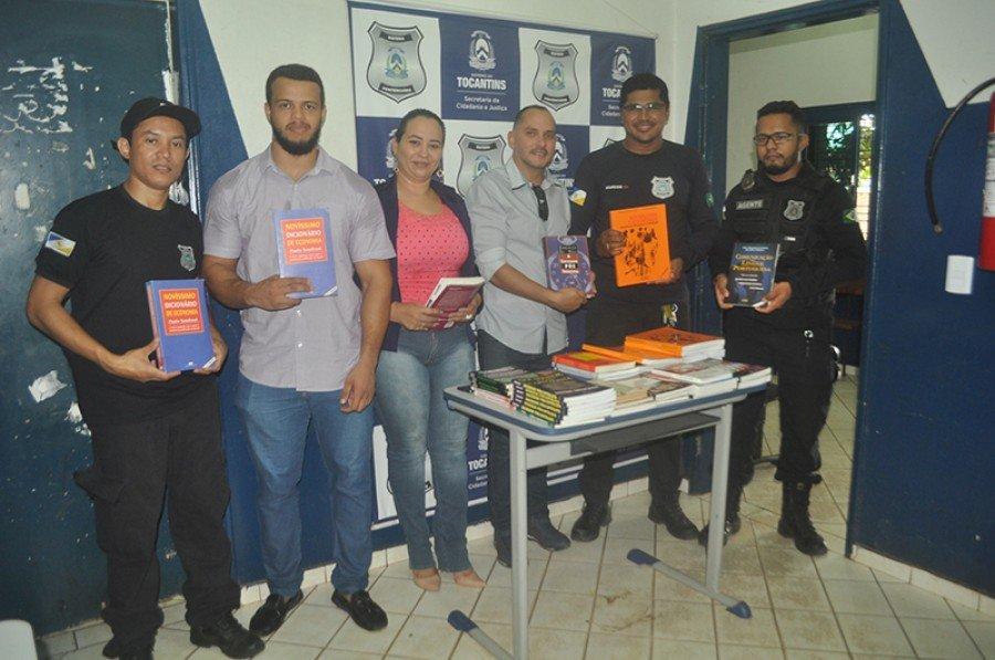 Faculdade do Bico do Papagaio incentiva a leitura doando livros para o presídio de Augustinópolis