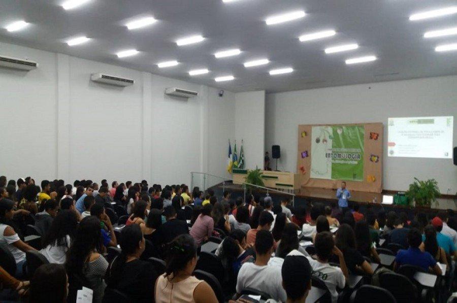 Evento contou com palestras, minicursos e exposições