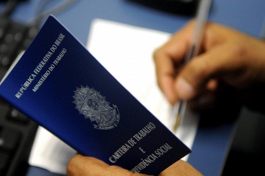 Após a consulta, o candidato pode se dirigir a uma das três unidades do Resolve Palmas com originais do documento de identidade, CPF e Carteira de Trabalho