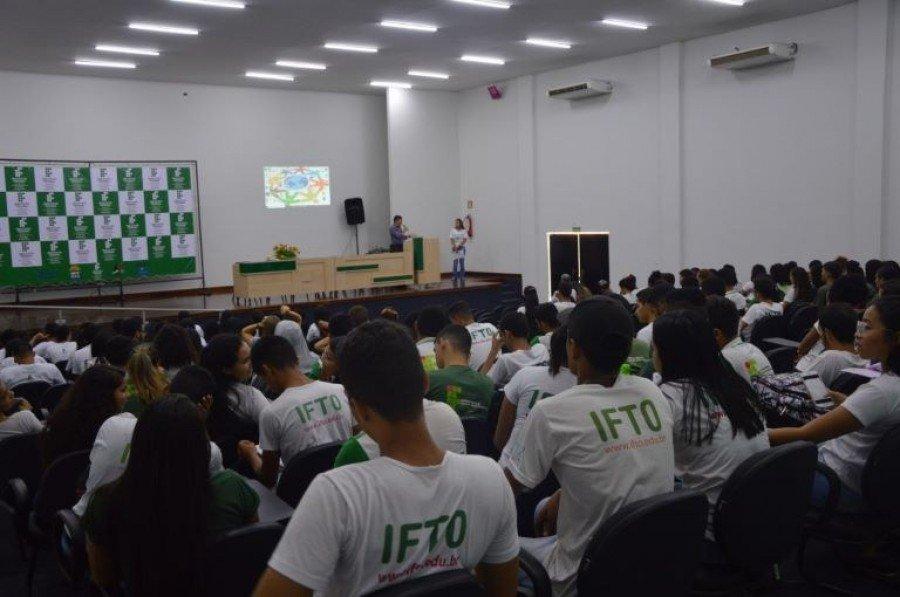 Economia solidária foi discutida durante seminário para estudantes do curso Técnico em Agropecuária do do IFTO de Araguatins