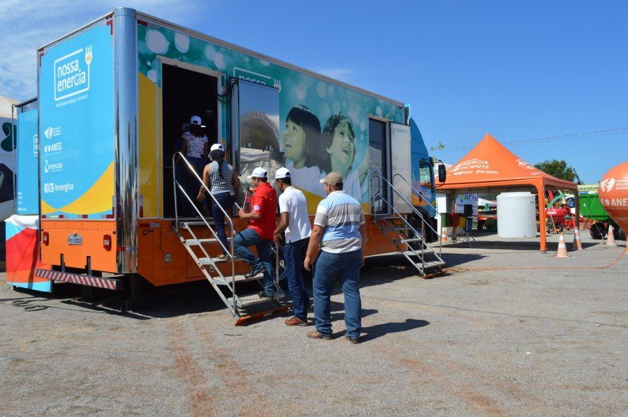 De junho a julho deste ano, as cidades de Tocantinópolis, Augustinópolis e Araguatins, receberão a visita do Caminhão Nossa Energia