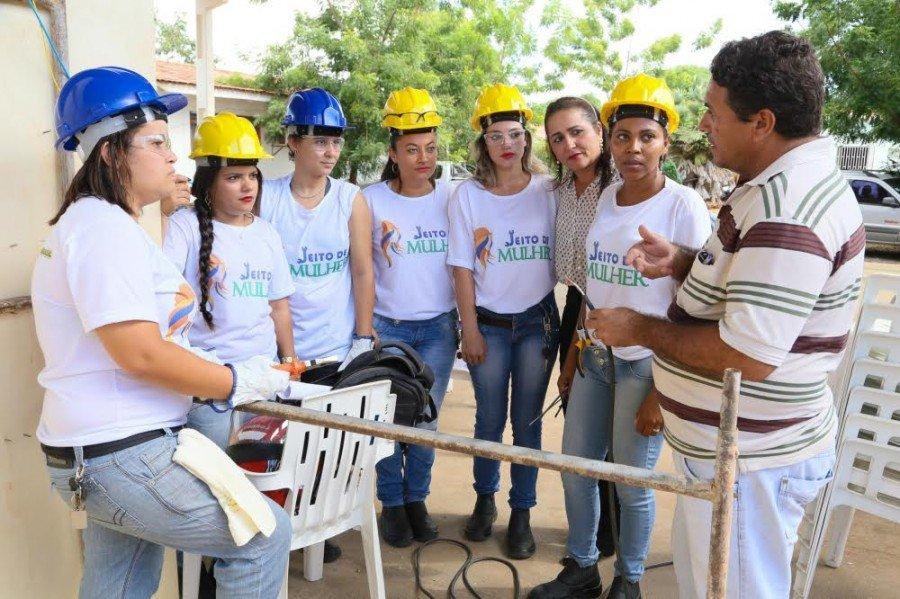Foram capacitadas 16 mulheres no curso de Eletricista de Instalações Comerciais e Residenciais
