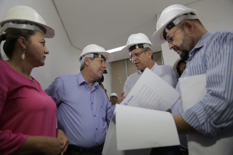 Sobre a UTI Pediátrica, Dimas destacou que a unidade será entregue até o final do próximo mês não somente para os araguainenses, mas para a toda a região norte do Tocantins e sul do Pará e Maranhão