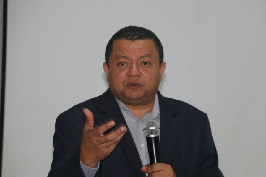 """Márlon Reis em palestra na Fabic, em Augustinópolis: """"A indústria gera independência do cidadão e os poderosos e os caciques políticos não querem"""""""