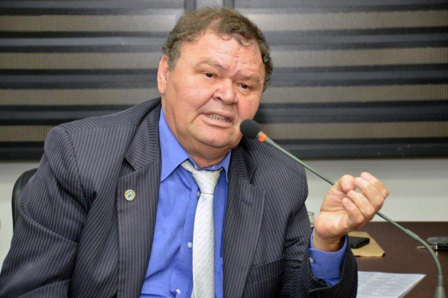 Bonifácio apresentou relatório nesta quarta-feira (Foto: Koró Rocha)