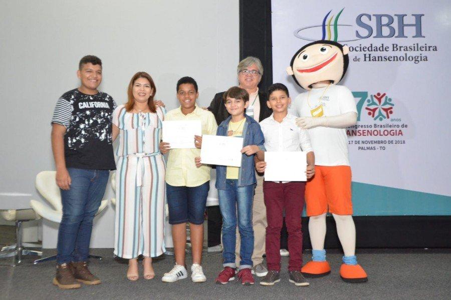 Rhenan Cauê, e mais 2 estudantes foram certificados pela SBH por participarem do concurso de vídeos Todos Contra a Hanseníase