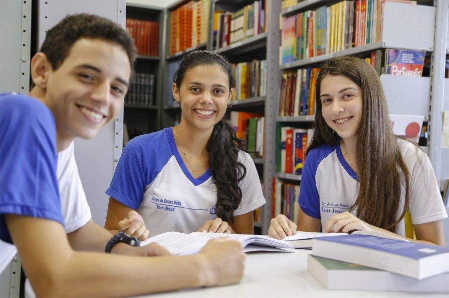Estudantes devem ficar atentos com o cronograma de matrículas e confirmações
