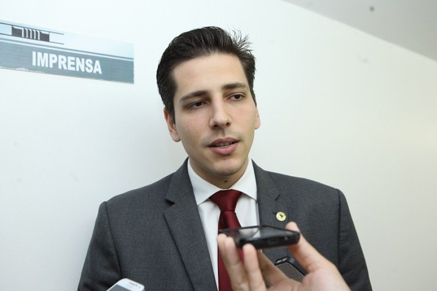 Deputado estadual Olyntho Neto