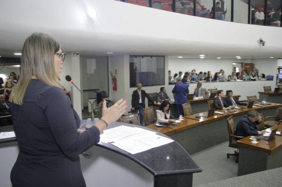 Deputada estadual Cláudia Lélis (PV) abre mão de receber o auxílio moradia a que tem direito no valor de R$ 4.253,00
