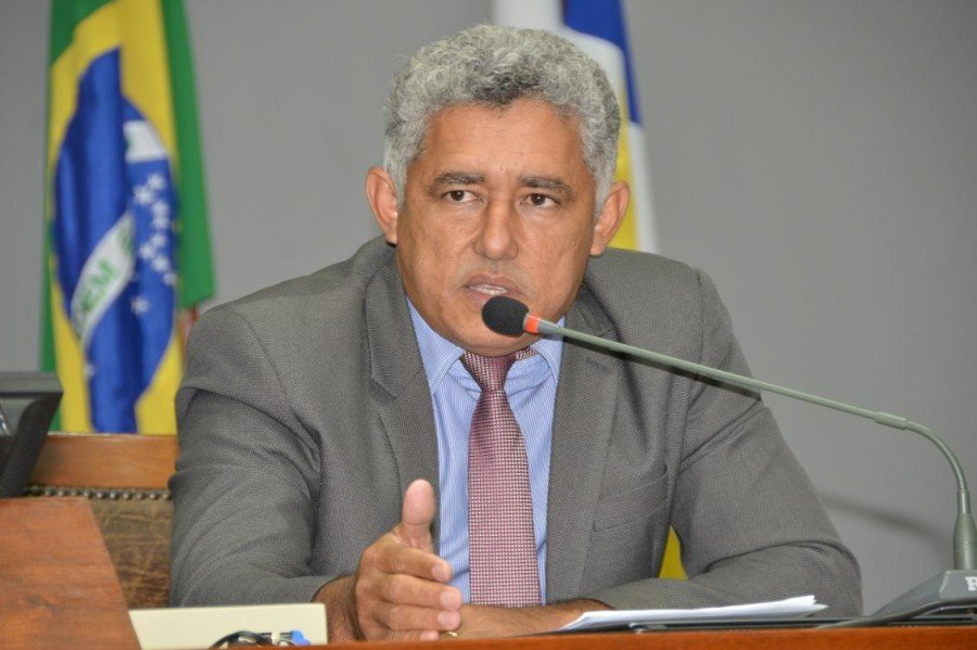 Deputado estadual, Cleiton Cardoso destinou R$ 67 mil em emenda parlamentar para a aquisição dos computadores e impressoras