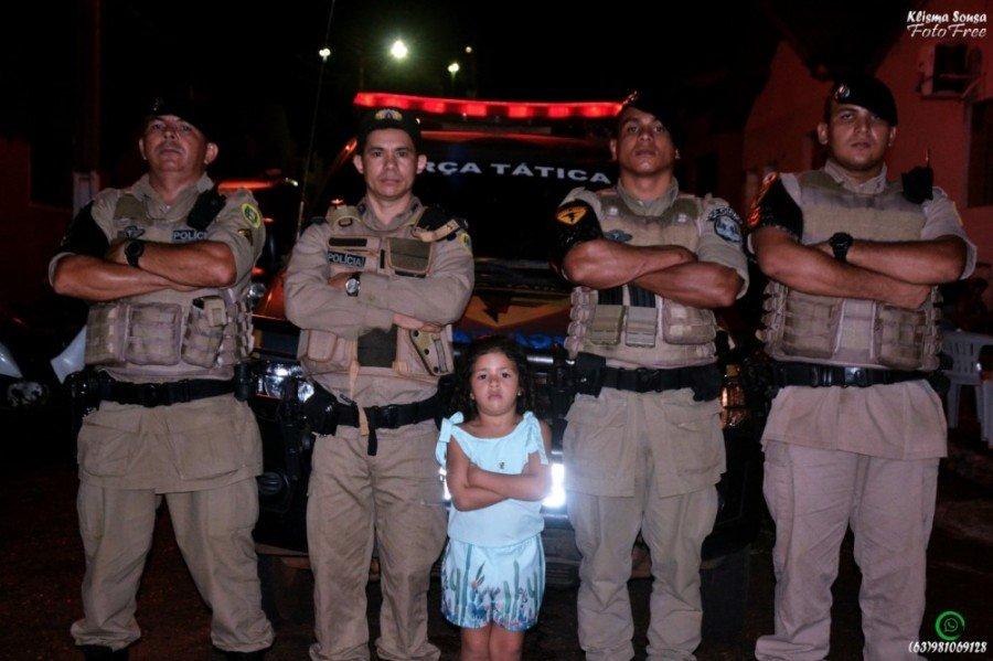 O sonho da menina é um dia ser policial