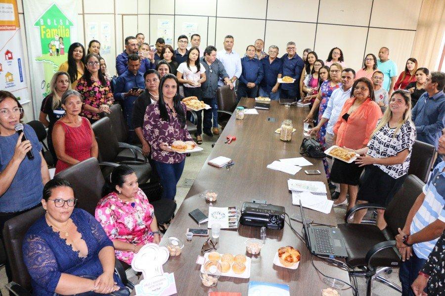 Prefeitos, secretários municipais de Assistência Social e técnicos de referência de 17 municípios estiveram no encontro (Foto: Carlessandro Souza)