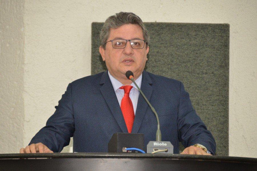 Deputado Jair Farias defende junto ao governo alteração no decreto que impede municípios de receber recursos de emendas impositivas