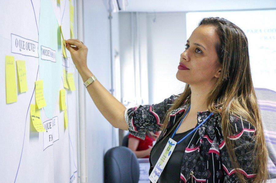 Keiliane Santos, coordenadora do CRAS de Araguatins (Foto: Carlessandro Souza)