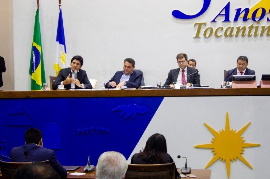 Em audiência pública deputado Professor Júnior Geo questionou obras paradas no Tocantins