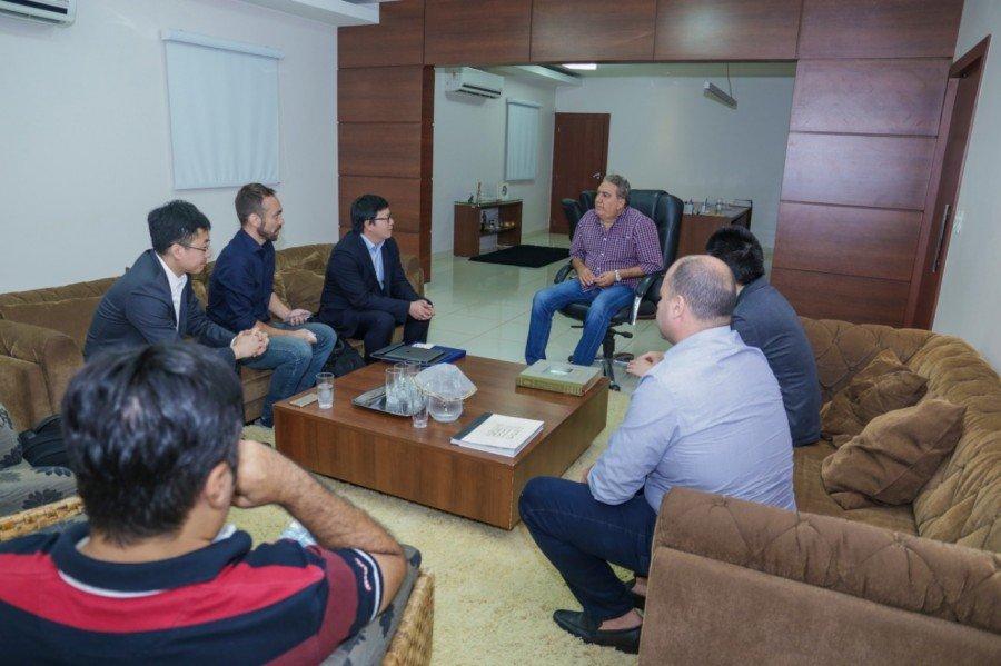 Empresários de multinacional chinesa apresentaram proposta de soluções em segurança ao prefeito de Gurupi, Laurez Moreira