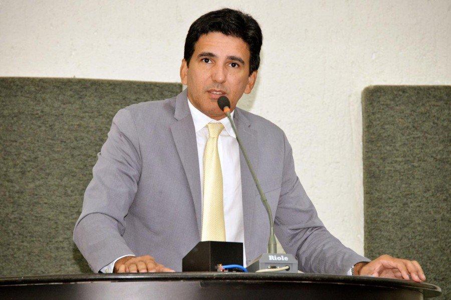 Prof. Júnior Geo solicitou nomeação dos aprovados no concurso da Defesa Social e pediu apoio dos demais deputados na cobrança