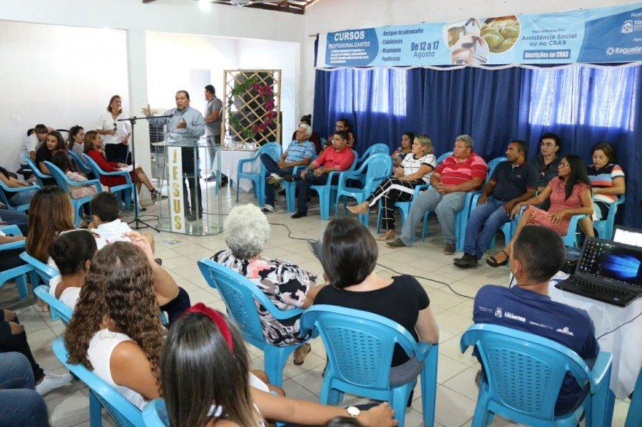 Entrega de certificados e assinatura do Plano de Ação da Inclusão Produtiva em Itaguatins (Foto: Carlessandro Souza)