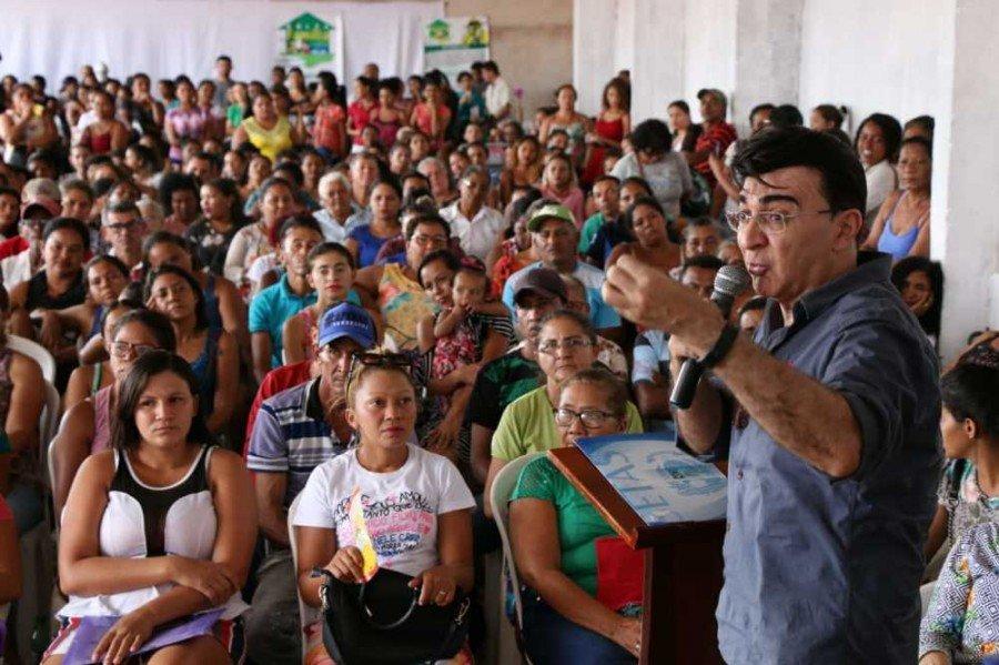 Setas assina termo de cooperação técnica para beneficiar cerca de 2500 famílias de Araguatins (Foto: Carlessandro Souza)