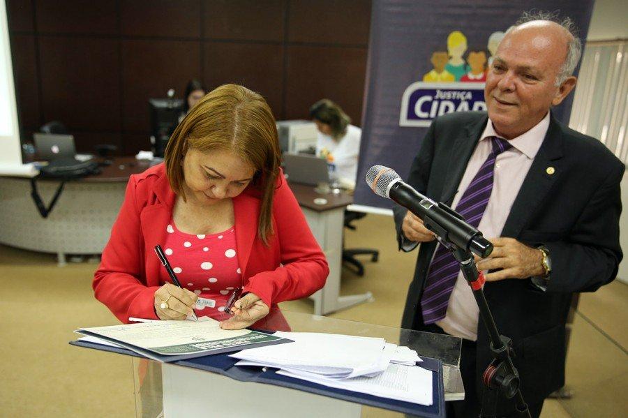 Comarca de Araguatins assina pacto pela sustentabilidade durante apresentação do Projeto TO Sustentável no município